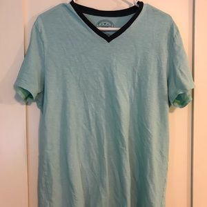 Men's Large American Eagle Large V-Neck T-Shirt